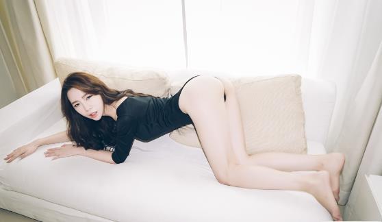 超级名模玩么身材梦心玥写真31p